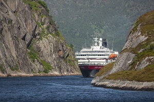 Norwegen-Harscher-Fjorde-Arktis_300x200